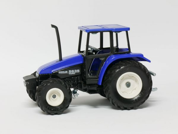 Siku Farmer 2652 New Holland Traktor 5635 1:32