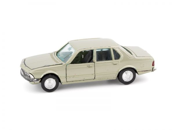 Gama Mini BMW 733i 1:43